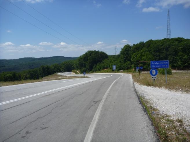 Türkische Straße mit Seitenstreifen